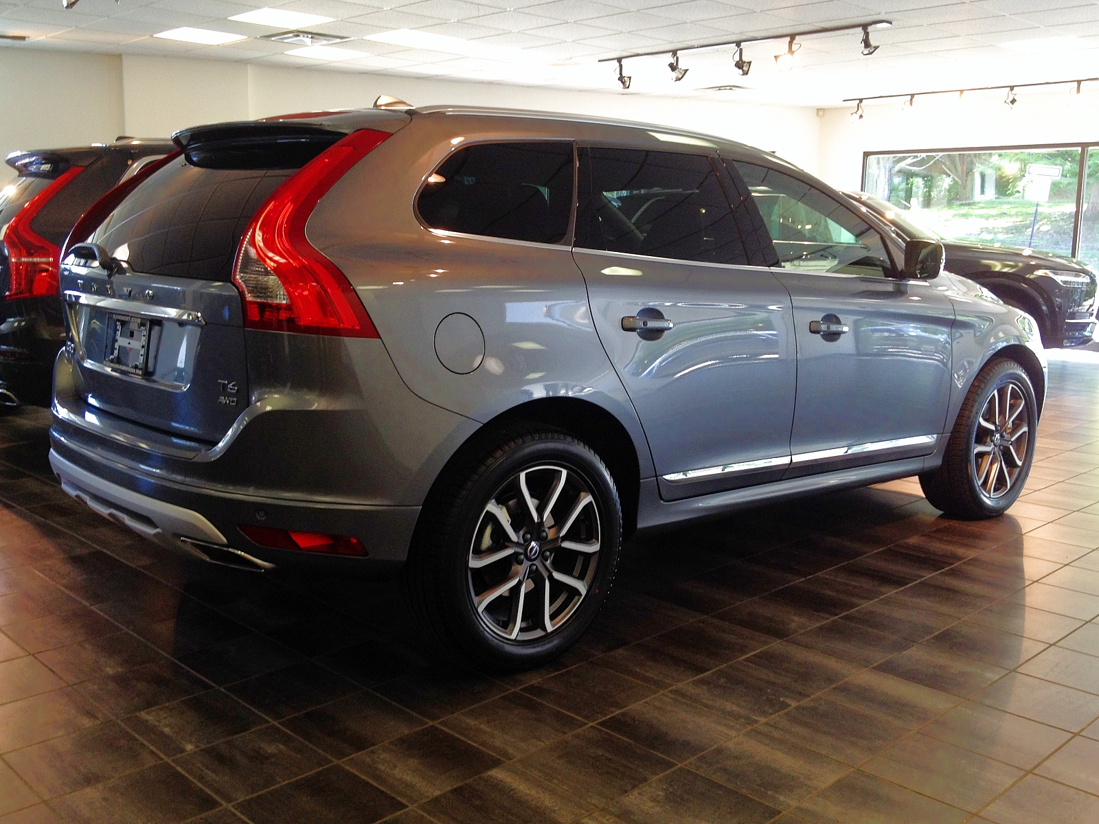 volvo image gallery 2017 volvo xc60 t6 awd dynamic in osmium grey. Black Bedroom Furniture Sets. Home Design Ideas