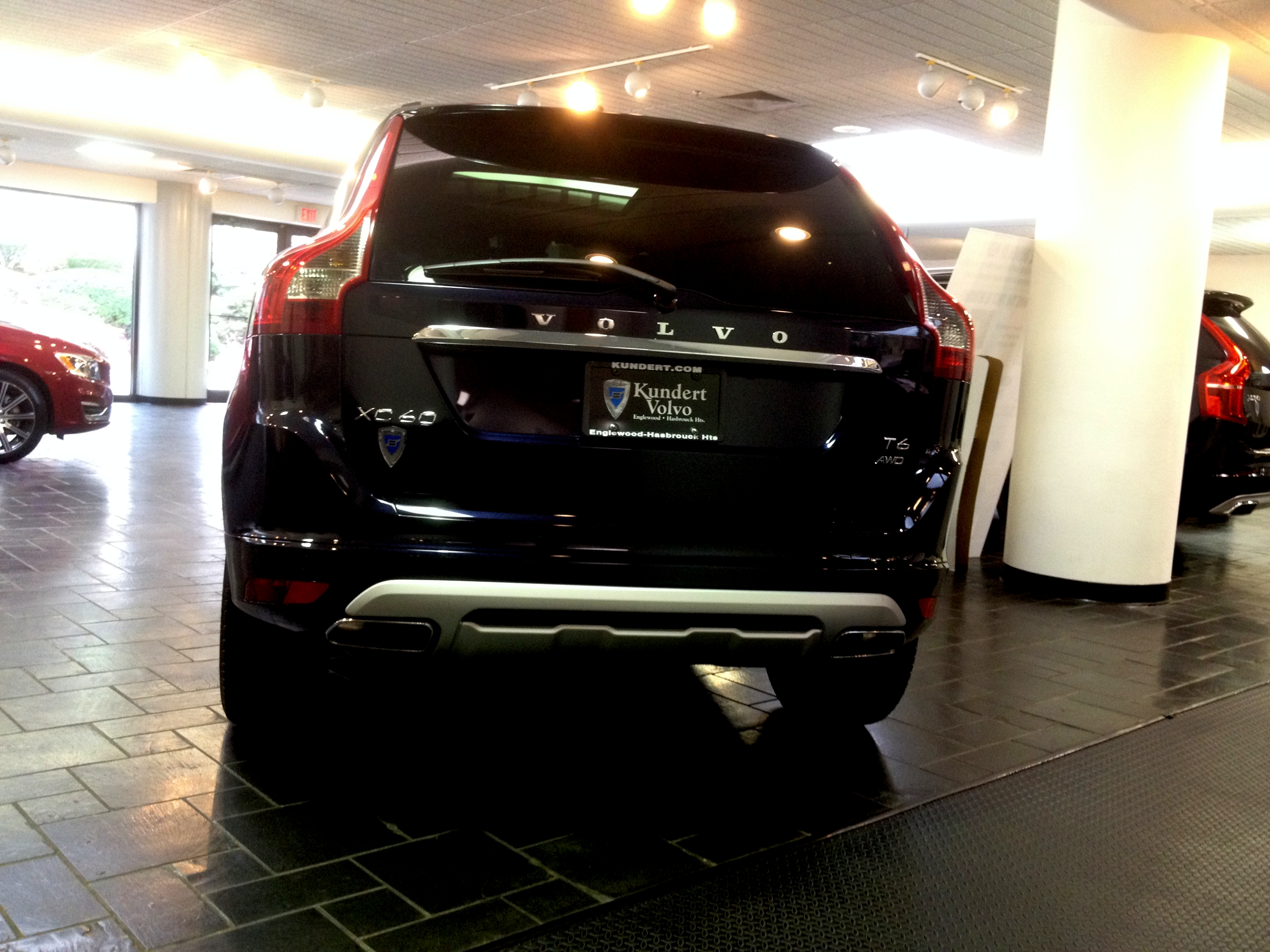 volvo image gallery 2017 volvo xc60 t6 awd dynamic magic blue w standard wheels. Black Bedroom Furniture Sets. Home Design Ideas